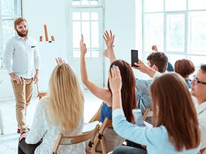«Сотрудники: нанимаем готовых или «обучаем под себя»?
