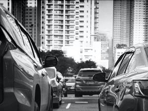 Четверть новосибирцев недовольна дворовыми парковками в городе