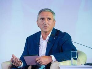 «Планируем порядка 240-245 млрд». Губернатор Моор — о финансовых ожиданиях региона