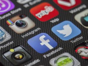 Серьезный сбой Facebook и Instagram уронил акции Цукерберга на 6%