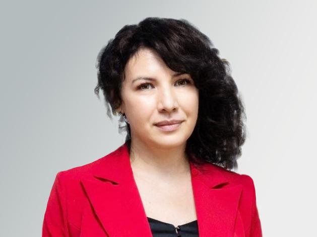 Элина Закирова, директор Института дополнительного образования УрГЭУ