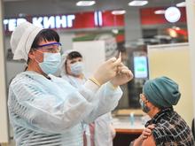 Привитым не зарегистрированной в РФ вакциной придется делать повторный укол