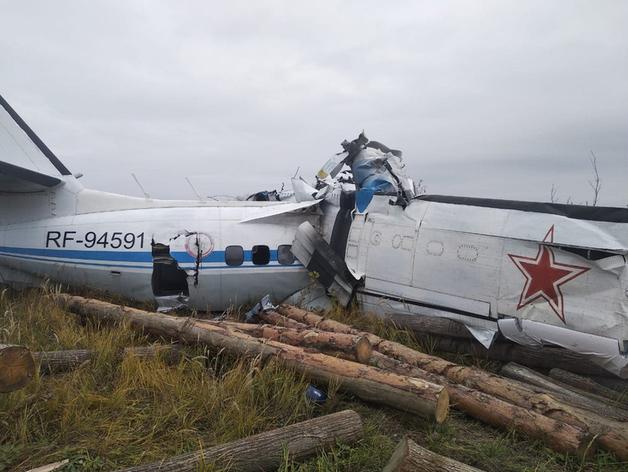 Самолет L-410 потерпел крушение в Татарстане. Семь человек выжили
