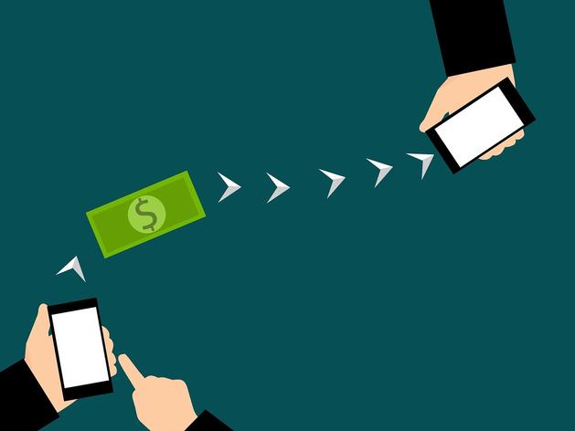 Центробанк заинтересовался денежными переводами с карты на карту