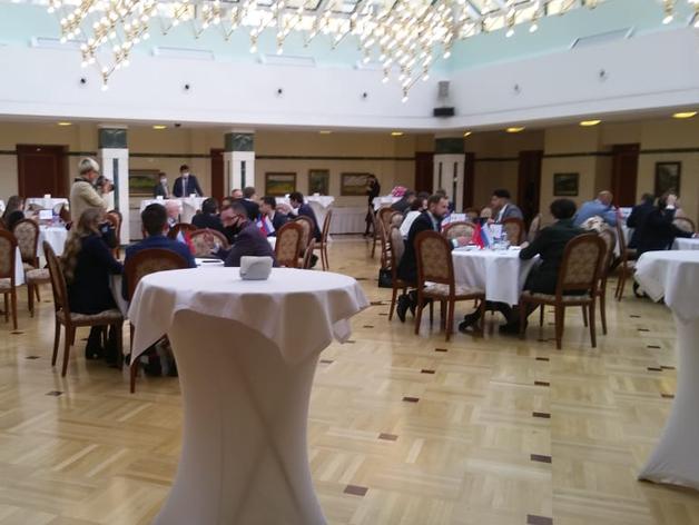 В Екатеринбурге российские промышленники и французские бизнесмены обсудили greentech
