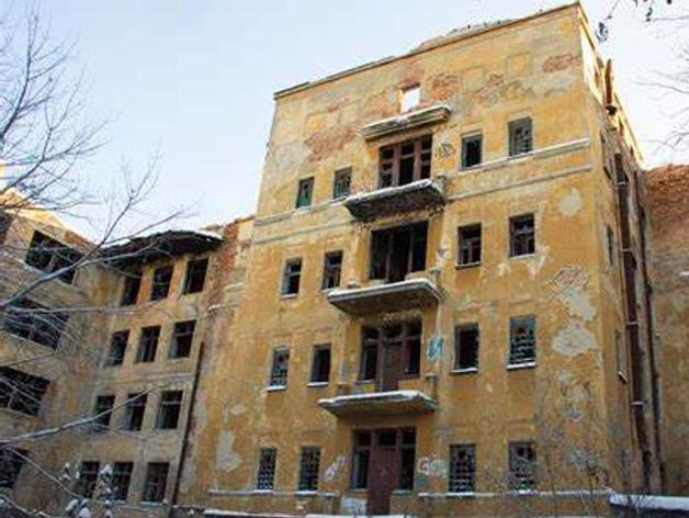 здание заброшенной больницы