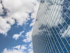 От производства до ритейла: челябинский бизнес уходит в облака