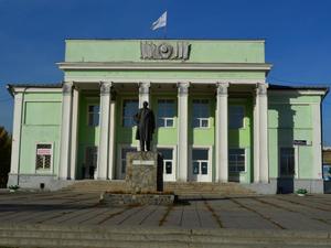 В Челябинске вице-губернатор выгоняет экс-депутата Госдумы из дворца культуры