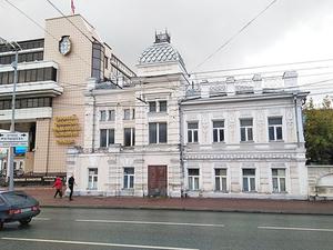 «Приехал экскаватор и снес половину». В Екатеринбурге уничтожили очередной охраняемый дом
