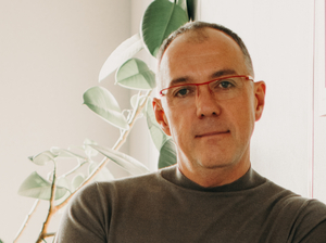 «Самое сложное — объяснить, что мы продаем не очки, а хорошее зрение», — Артём Власенко